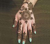 Fozeya Simple Mehndi Design