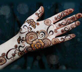 Mehndi Art For Full Hand