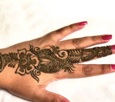 Moqudas Simple Mehndi Design