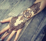 Nadia Simple Mehndi Design